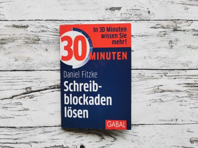 """Das Buchcover des Buchs """"Schreibblockaden lösen"""""""