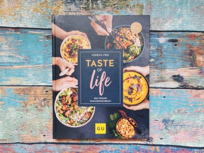 """Buchcover """"Taste of life Das vegane Familienkochbuch"""" von Verena Frei"""